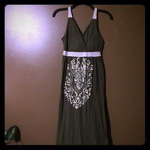 Dresses & Skirts - Olive green maxi dress